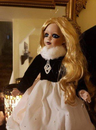 Muñeca victoriana gótica - retro