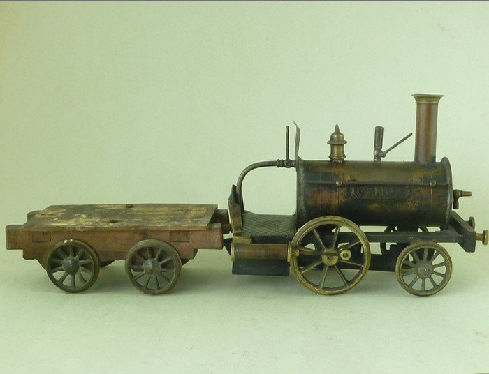Tren de juguete victoriano original