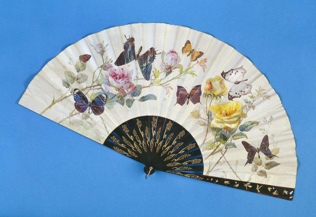 Abanico victoriano con mariposas